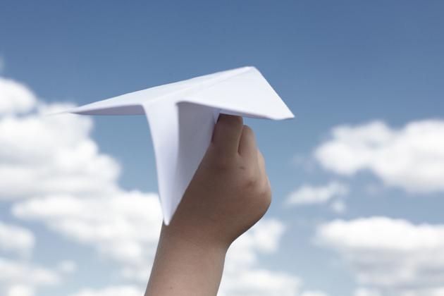 紙飛行機イメージ